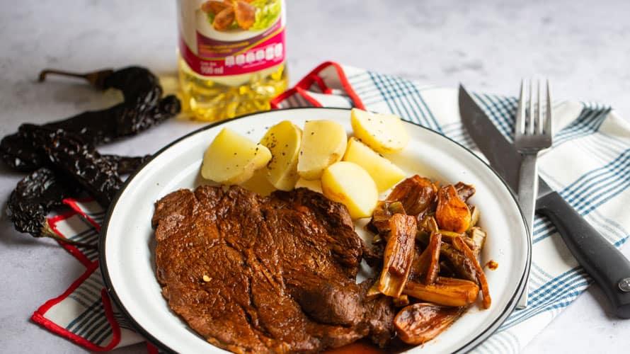 Bistec en Salsa de Chile Pasilla Paso 4