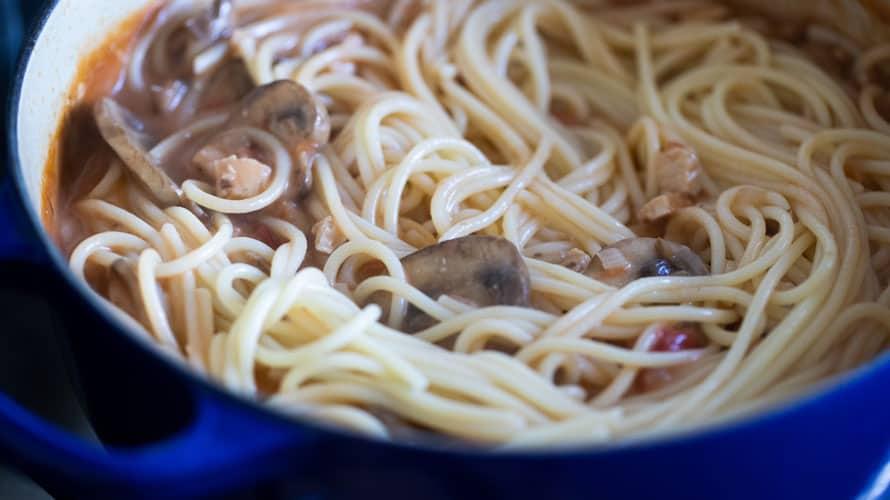 Espagueti con Pavo y Champiñones Paso 4