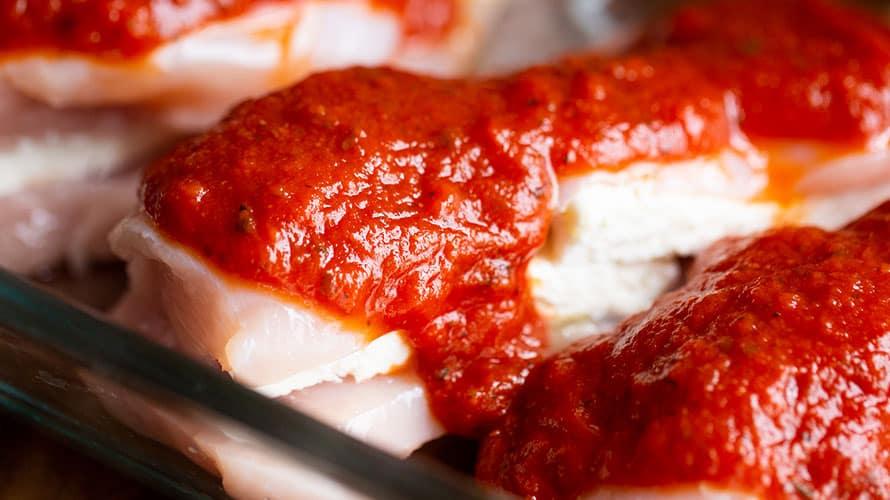 Pechugas de Pollo Estilo Pizza Paso 3